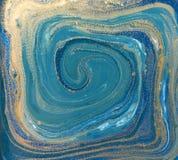 Blauwe, groene en gouden vloeibare textuur Hand getrokken marmerende achtergrond Inkt marmeren abstract patroon vector illustratie