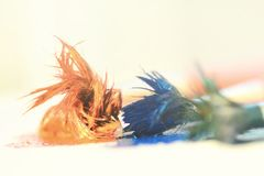 Blauwe, groene en oranje verven stock fotografie