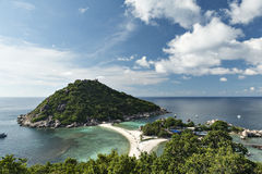Blauwe hemel bij eiland Nang -nang-yaun Royalty-vrije Stock Foto