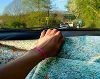 Blauwe hemel en auto Royalty-vrije Stock Afbeeldingen