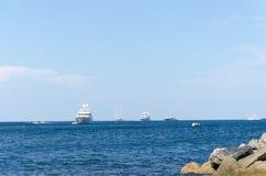 Blauwe Hemel en boot Royalty-vrije Stock Foto's