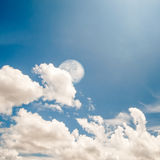 Blauwe hemel en maan Royalty-vrije Stock Afbeelding