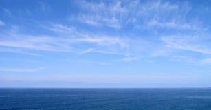 Blauwe Hemel en Overzees Royalty-vrije Stock Foto