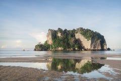 Blauwe hemel en overzees op een strand Royalty-vrije Stock Fotografie