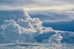 Blauwe hemel en witte wolken Royalty-vrije Stock Fotografie