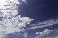 Blauwe hemel en wolken Hemel en wolkenachtergrond royalty-vrije stock foto's