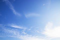 Blauwe hemel met wolk Stock Afbeelding