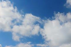 Blauwe Hemel met Wolken stock afbeelding