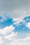 Blauwe Hemel met Wolken Stock Foto