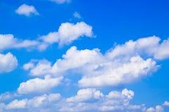 Blauwe hemel met wolkenachtergrond 171022 0073 Stock Fotografie