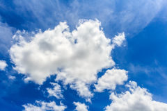 Blauwe hemel met wolkenclose-up Royalty-vrije Stock Afbeelding