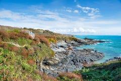 Blauwe Hemel over de Inham van Pruisen in Cornwall Stock Foto's