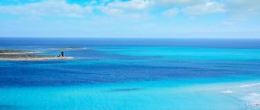 Blauwe hemel over Stintino-overzees Stock Foto