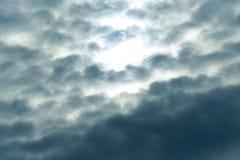 Blauwe hemel Pluizige Witte Wolken Royalty-vrije Stock Foto's