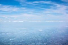 Blauwe hemel, venstermening Stock Afbeelding