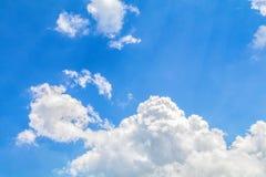 Blauwe hemelachtergrond royalty-vrije stock foto