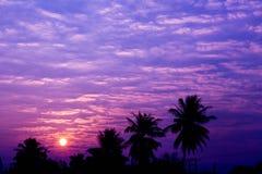 Blauwe hemelachtergrond stock foto