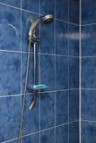 Blauwe hoek van badkamers stock afbeeldingen