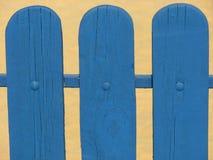 Blauwe houten omheining Stock Afbeeldingen