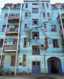 Blauwe huisvoorgevel Royalty-vrije Stock Fotografie