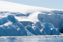 Blauwe ijsbergen Royalty-vrije Stock Foto