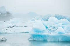 Blauwe ijsbergen Stock Afbeeldingen