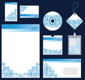 Blauwe kantoorbehoeften die voor bedrijf vectorformaat wordt geplaatst Stock Foto
