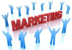 Blauwe karakters rond de woord marketing Stock Foto's