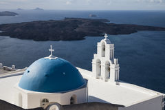 Blauwe koepels van Santorini Stock Afbeelding
