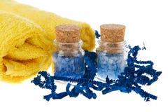 Blauwe kruiken met badzout Stock Foto