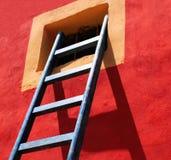 Blauwe ladder stock foto