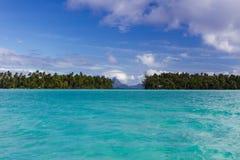 Blauwe lagune in Le Tahaa Island Stock Fotografie