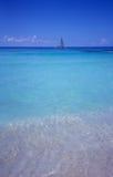 Blauwe lagune - strand Bayahibe - Dominicaanse republiek Royalty-vrije Stock Foto's