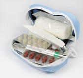 Blauwe medische reisuitrusting Royalty-vrije Stock Foto's