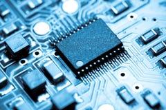 Blauwe micro-elektronica Royalty-vrije Stock Foto's