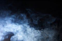 Blauwe Misttextuur op Zwarte Achtergrond Stock Afbeeldingen