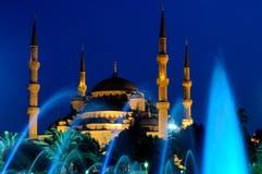 Blauwe moskee en fontein Royalty-vrije Stock Foto's