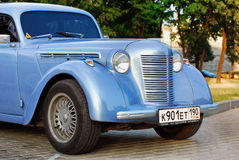 Blauwe Moskvich (uitstekende auto de USSR) Stock Foto's