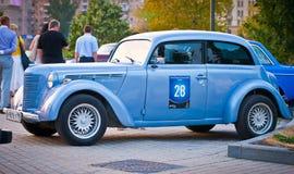 Blauwe Moskvich (uitstekende auto de USSR) Royalty-vrije Stock Afbeeldingen