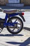 Blauwe motorfiets Royalty-vrije Stock Foto