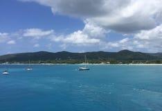 Blauwe Oceaan in Heilige Thomas stock foto