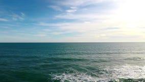 Blauwe oceaan, oneindige mening van Spanje stock videobeelden