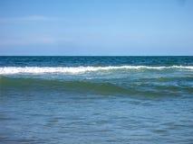 Blauwe OceaanGolven Stock Afbeeldingen