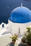 Blauwe Overkoepelde Kerk, Santorini Royalty-vrije Stock Afbeelding