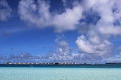 Blauwe overzees en hemel van de Maldiven Royalty-vrije Stock Afbeeldingen