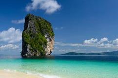 Blauwe overzees en hemel van Thailand Stock Foto's