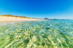 Blauwe overzees in het strand van Piscina Rei Royalty-vrije Stock Foto's