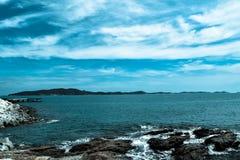 Blauwe overzeese blauwe hemel Royalty-vrije Stock Afbeeldingen
