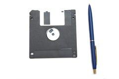 Blauwe pen en diskett royalty-vrije stock afbeeldingen