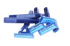Blauwe persoonlijke plastic beschikbare scheermessen Stock Foto